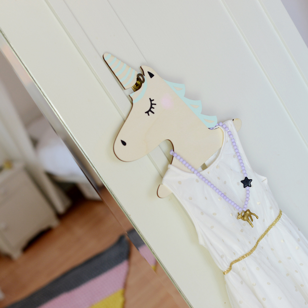 @foxella_and_freinds unicorn hangers