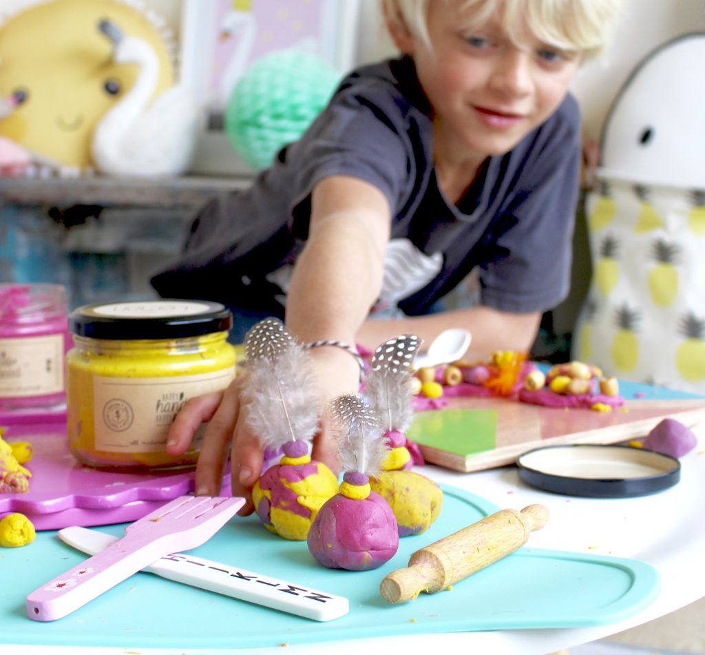 Gift ideas for kids- happy hands happy heart playdough