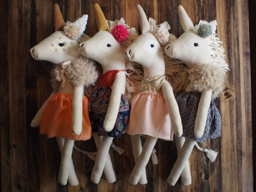 Trending now - Unicorns (bespoke delights by @daintycheeks)