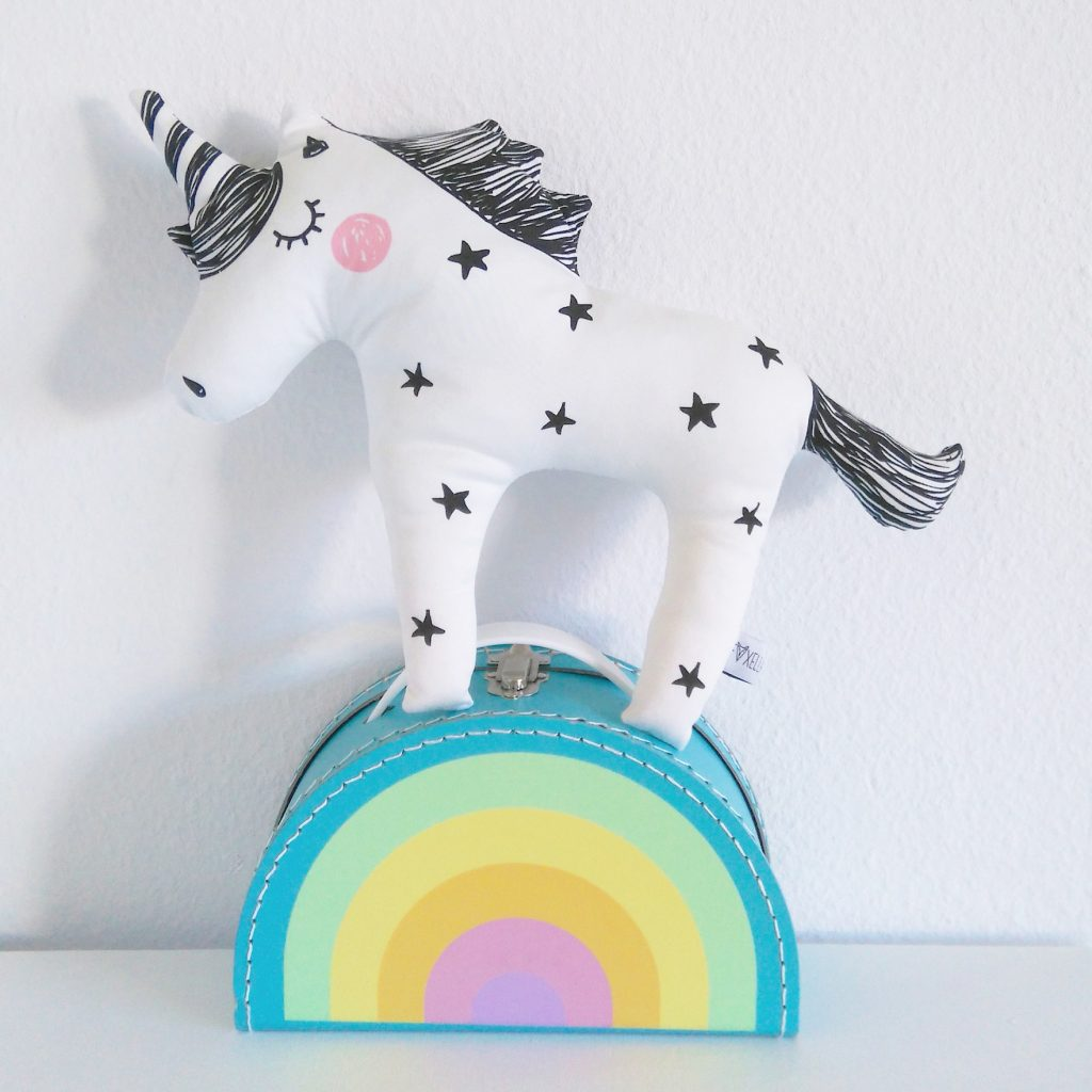 Funky Little Unicorns by @foxella_and_friends