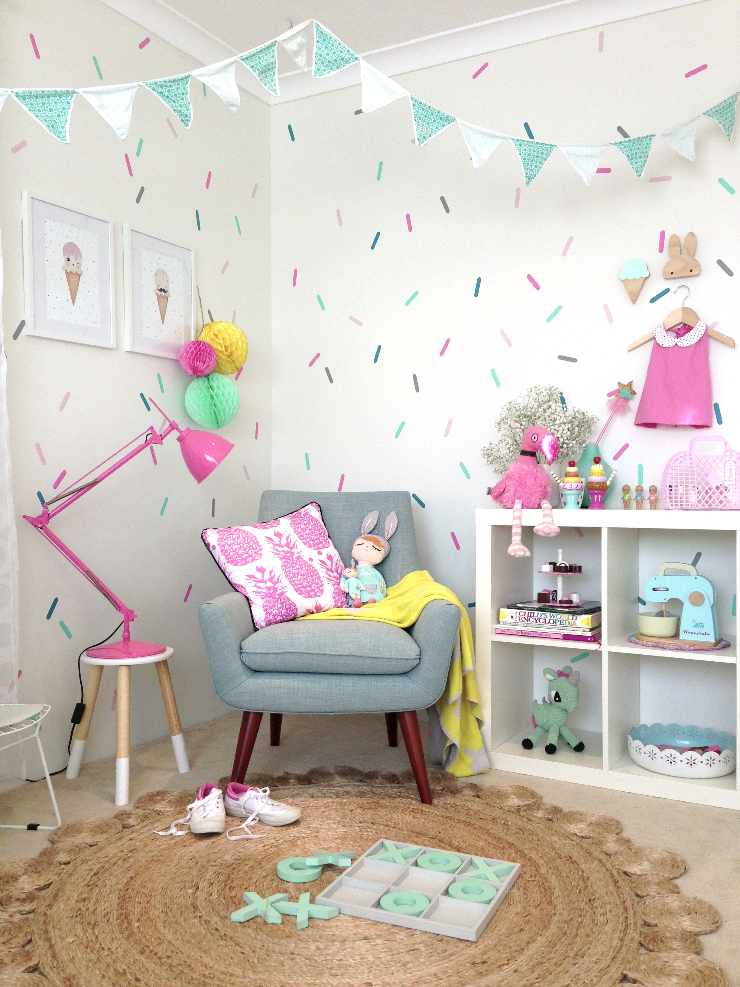 Decals tips for applying decals in an interior space with ease - Childrens bedroom wall colours ...