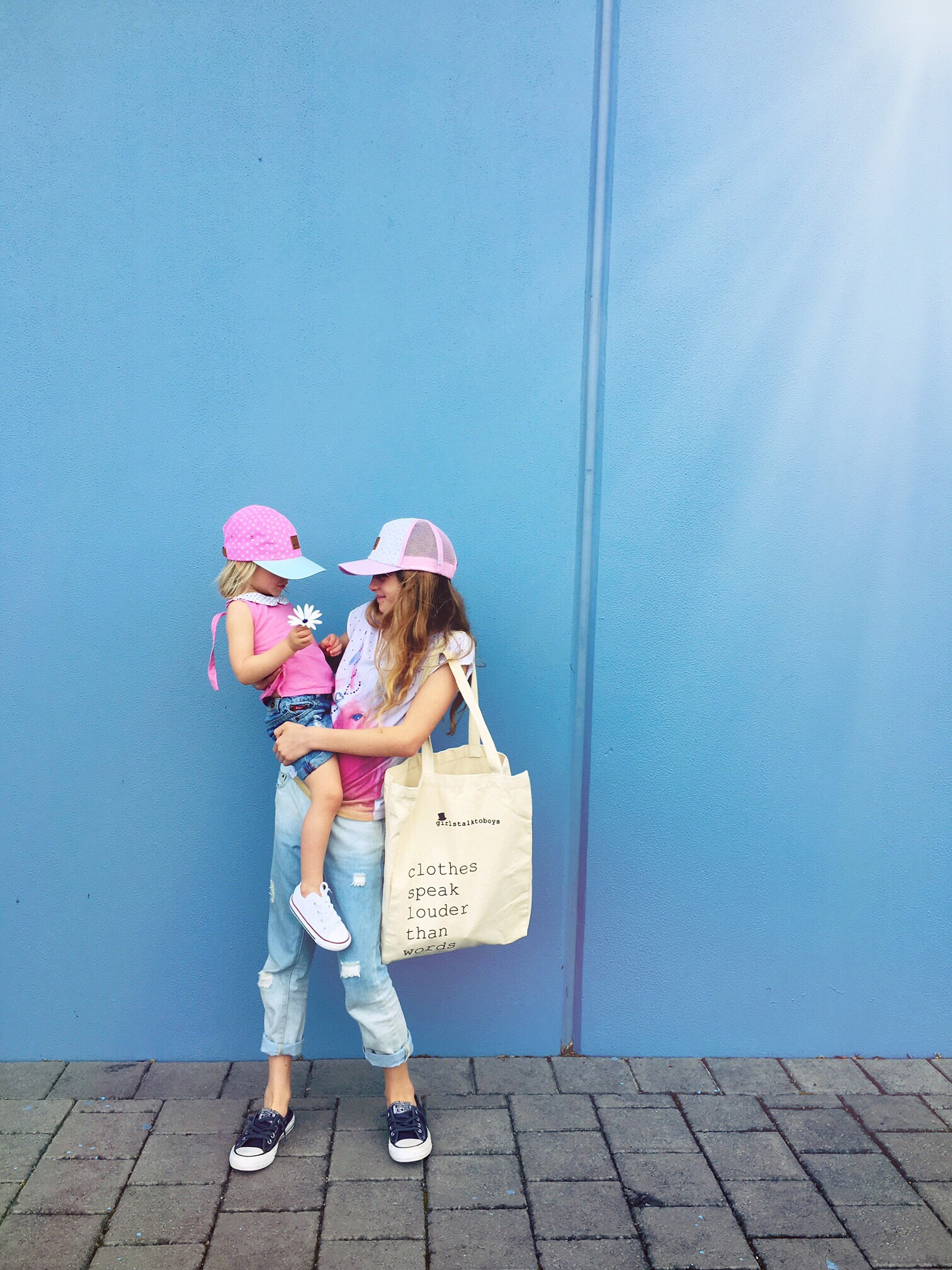 Sisters - too cute! #kidsfashion