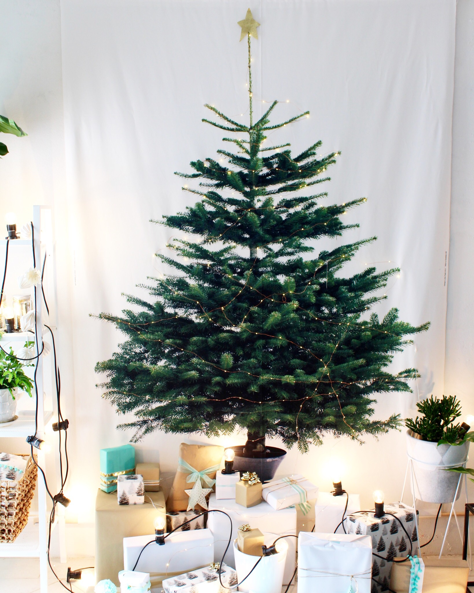 Christmas decoration ideas for small spaces | DIY IKEA tree
