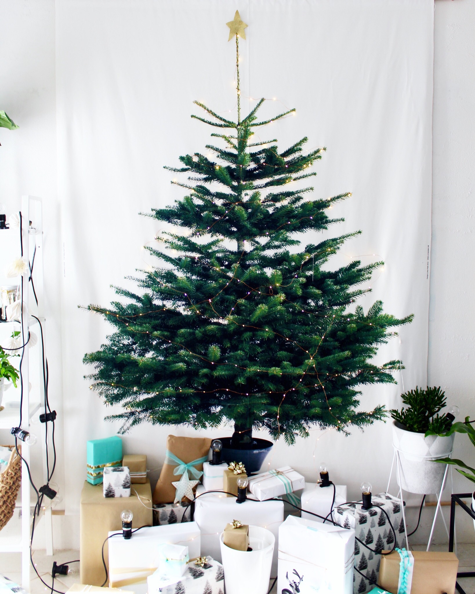 ikea christmas decorations christmas lights card and decore. Black Bedroom Furniture Sets. Home Design Ideas