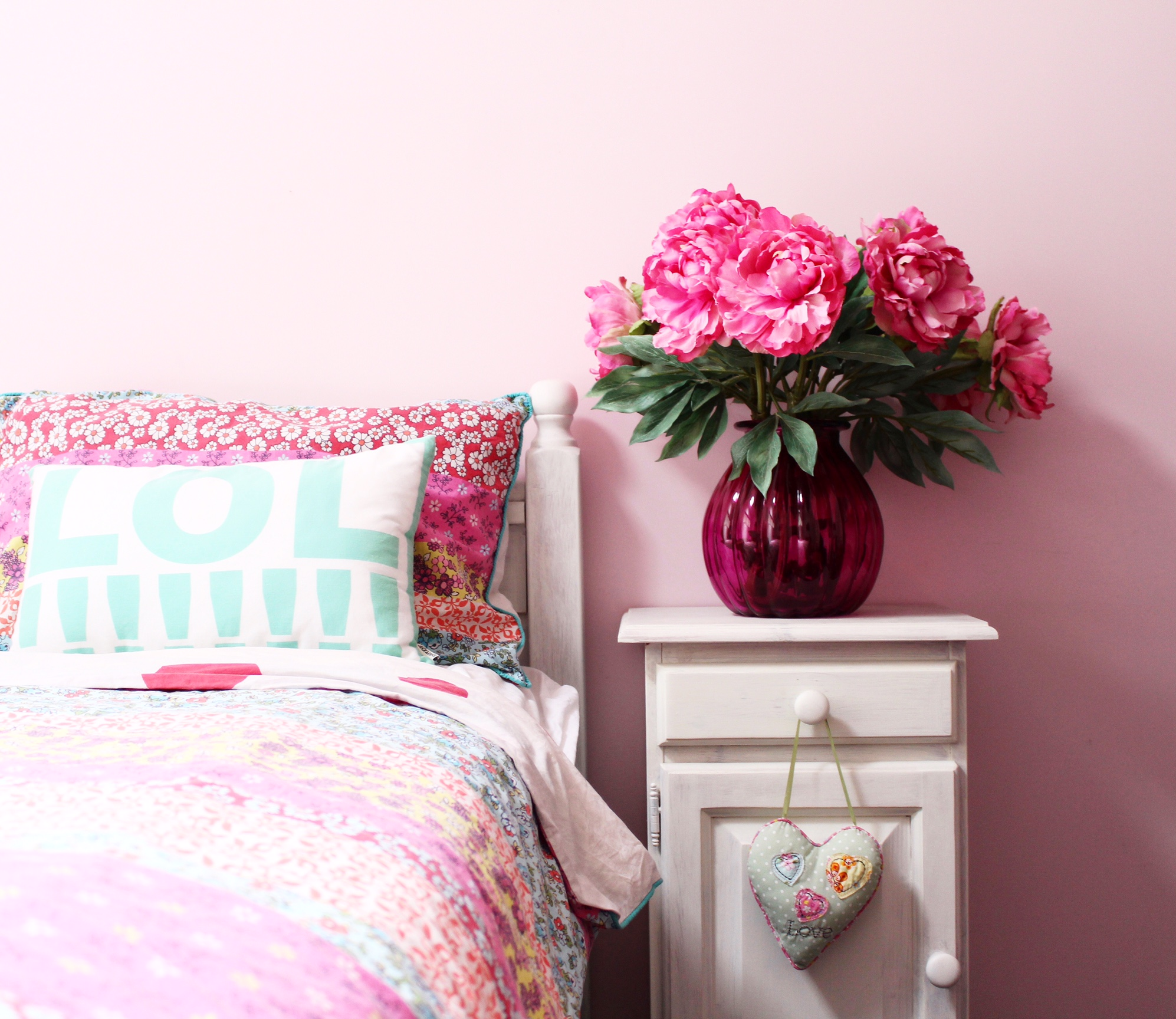 pink bedroom | girls bedroom ideas