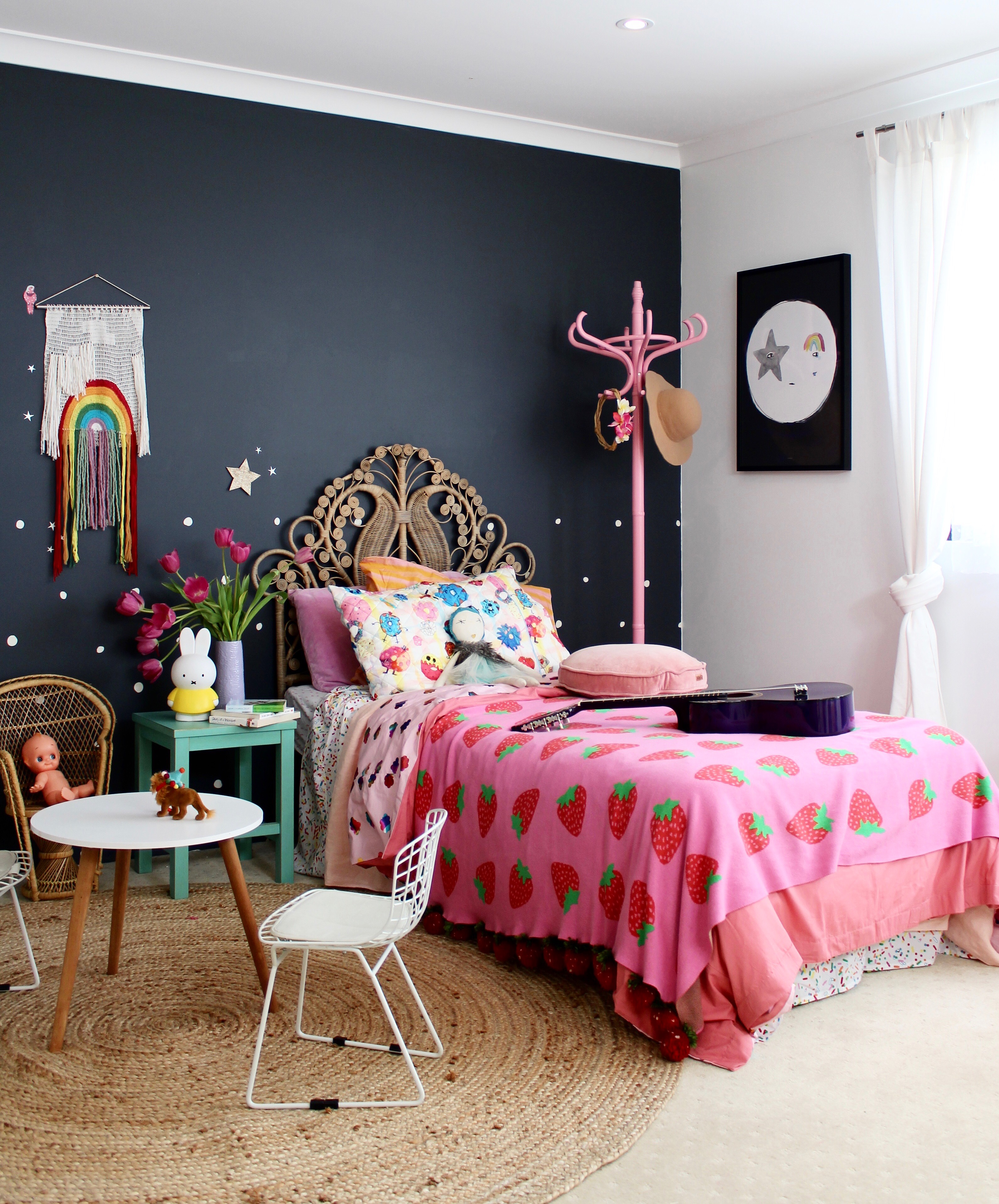 Mansion Bedrooms For Girls Cool Looking Bedrooms For Girls Brick Wallpaper Bedroom Bedroom Paint Ideas In Pakistan: Four Cheeky Monkeys