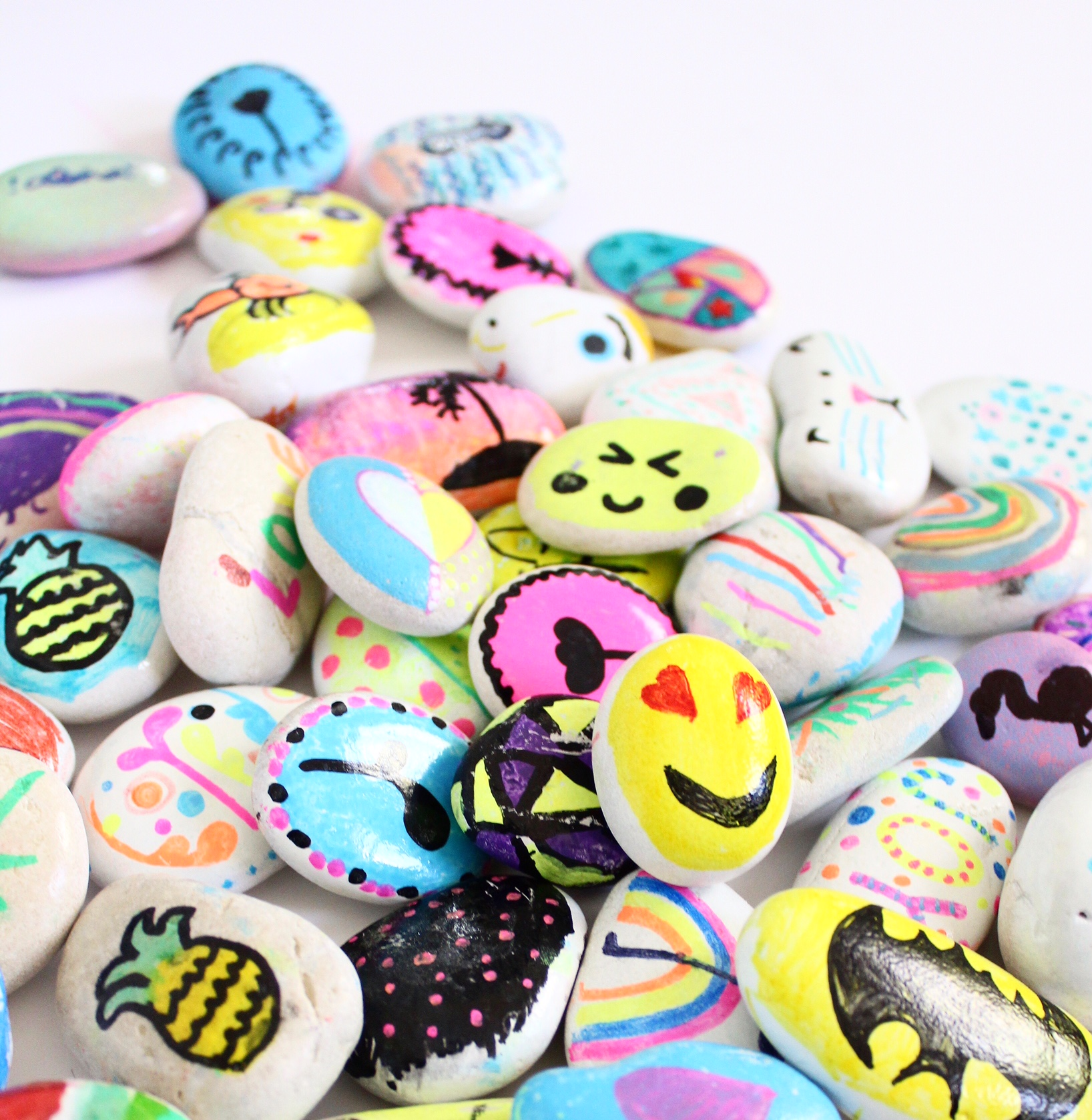 Rock Painting ideas for kids | toddler and kids crafts and activities, more on the blog
